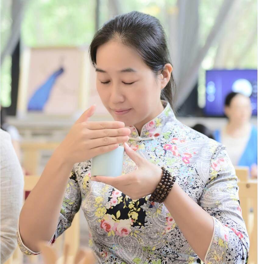月桂美术馆馆长:雨恬老师