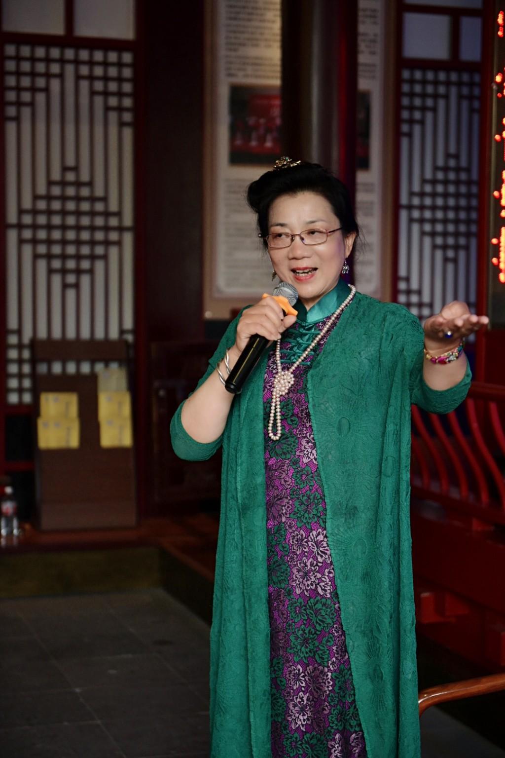 浙江嘉兴·海宁旗袍协会:丁会长